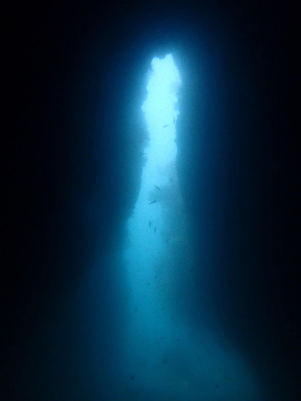 洞窟入り口