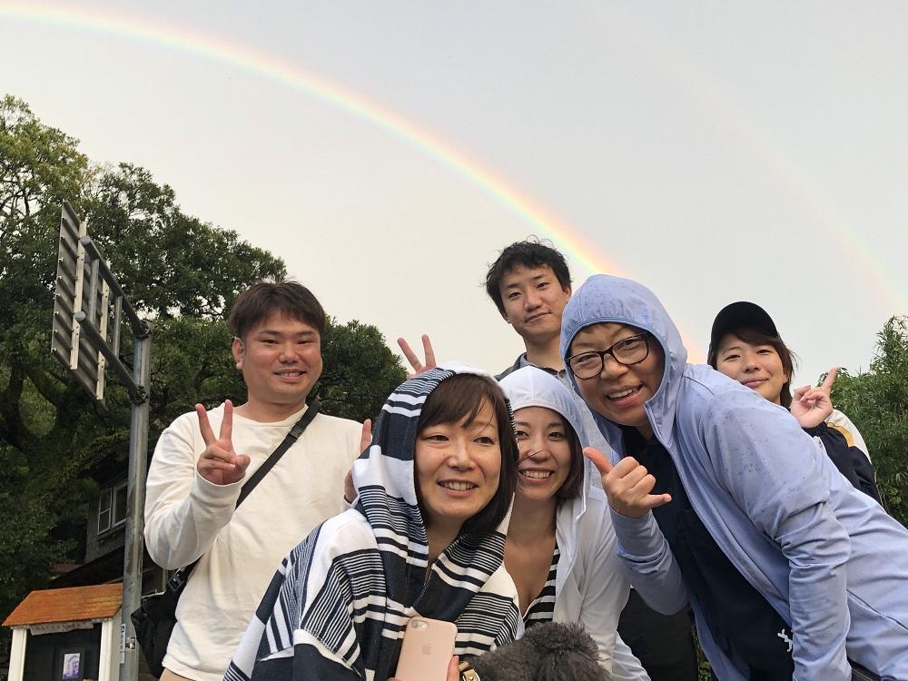雨が上がり、空には綺麗な虹のダブルアーチ