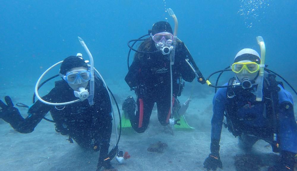 城ヶ崎海岸・体験ダイビング、同級生ナース3人