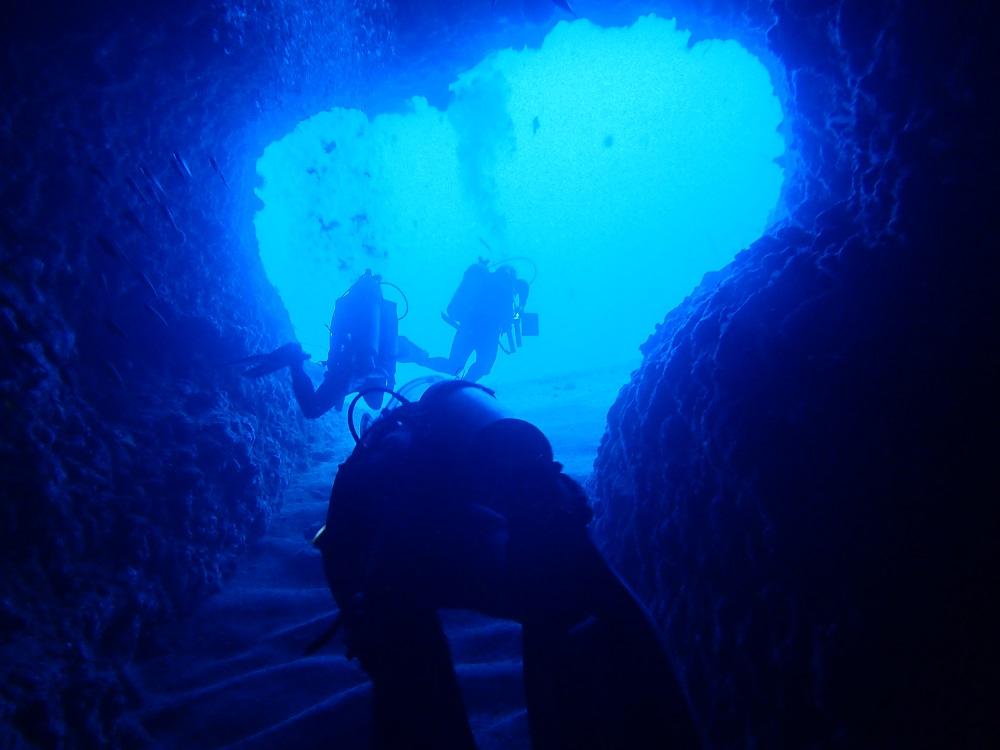 El Nido Dilumacad Tunnel