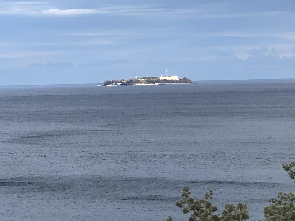 いつもより初島が近くに感じます。