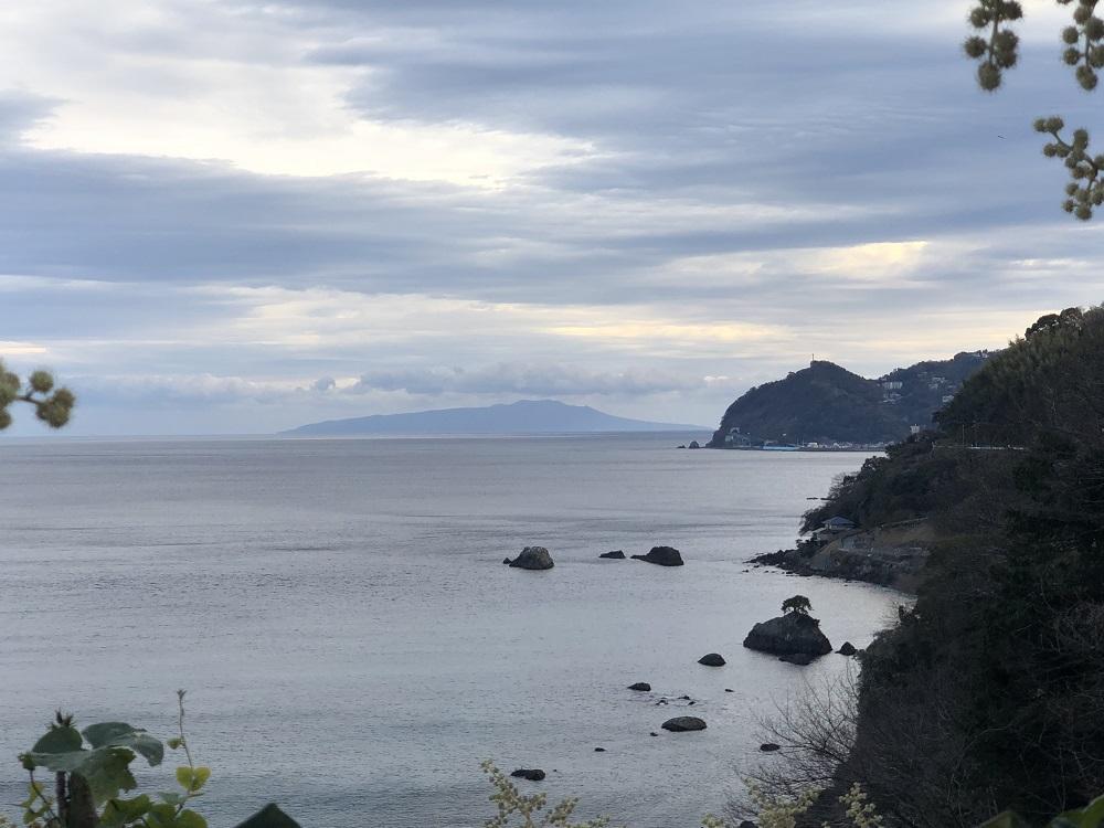伊豆大島も見えます。