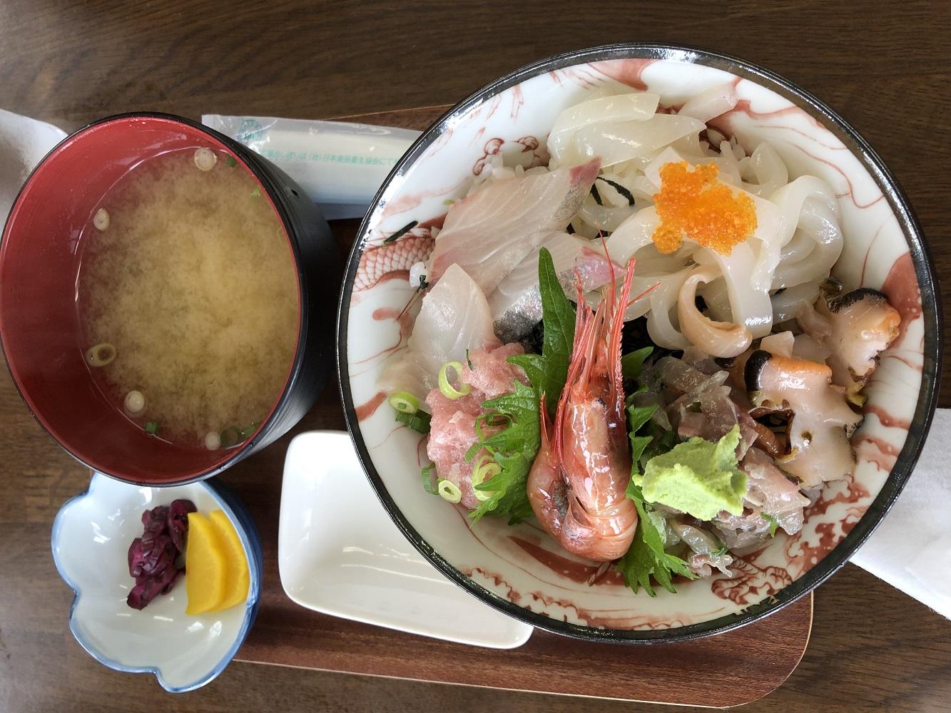新鮮、美味しい!海鮮丼