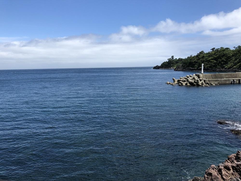 海は穏やか・超凪・フラットな水面