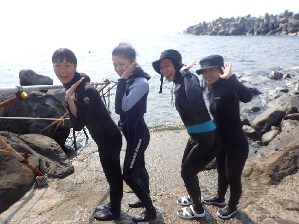 イルカと泳ぐ・イルカ女子会開催