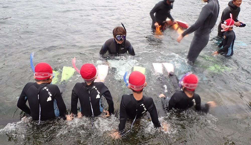 富戸港にて着衣水泳